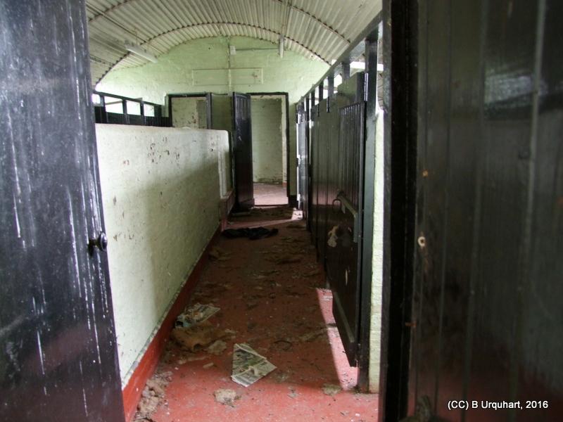 hut-68-int-west-toilet-cubicles